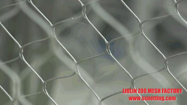 Stainless steel wire rope mesh products can withstand the wind and rain
