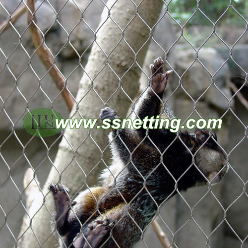 Zoo Animal Enclosure Mesh is made by AISI304 stainless steel wire cable materials, with unique craftsmanship