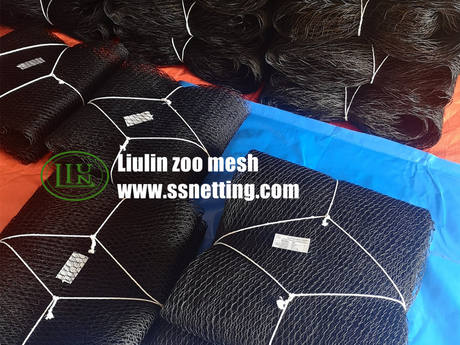 black wire rope mesh product -1.jpg